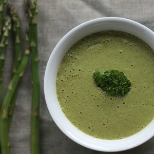 Grüne Spargelcremesuppe