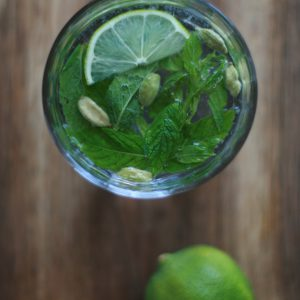 Minz-Kardamom-Limonade